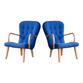 Pair of 1950s Danish Lounge Chairs in the Style of the Clam Chair by Arctander For Sale