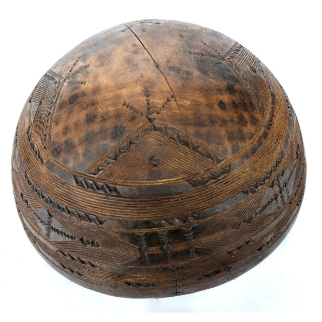 Wood African Tuareg Wood Carved Bowl For Sale - Image 7 of 9