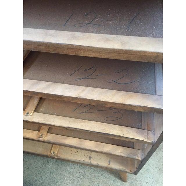Heywood Wakefield Encore Series 5 Drawer Dresser For Sale - Image 5 of 7