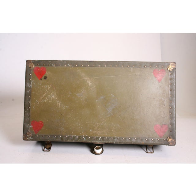 Vintage Industrial Green Military Foot Locker Trunk with Tray - Image 9 of 11