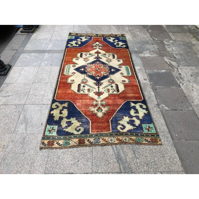1960s Vintage Turkish Oushak Floral Rug - 3′10″ × 8′3″ For Sale - Image 11 of 11