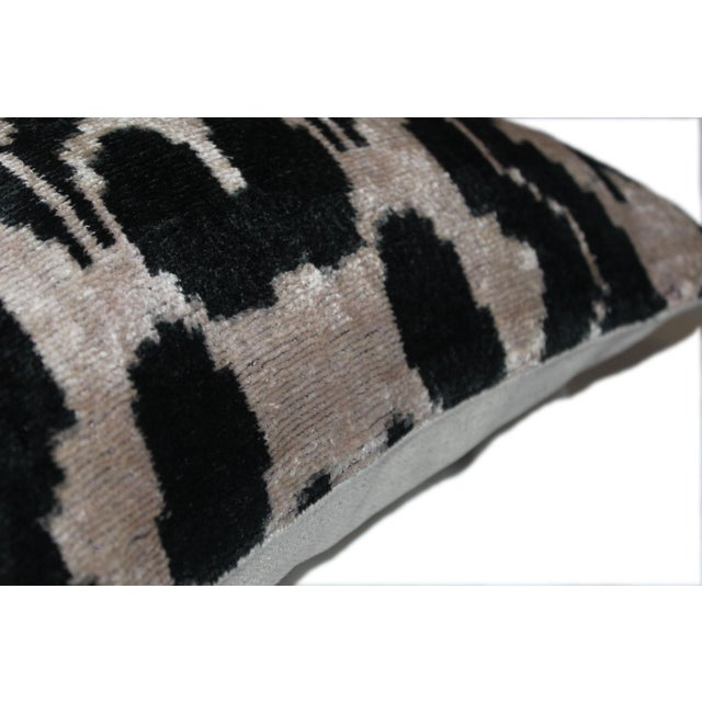 Contemporary Contemporary Silk Velvet Ikat Pillow Cover Bohemian Pillow For Sale - Image 3 of 5