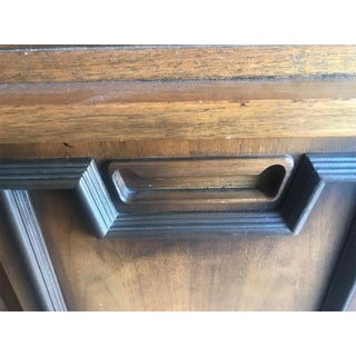 Mid Century Modern Hutch / China Cabinet Preview