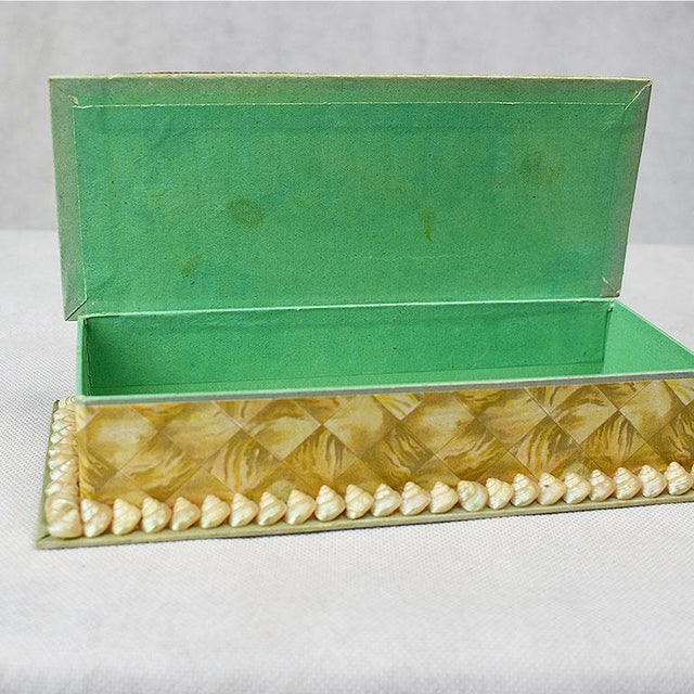 Early 20th Century Shell Encrusted Rectangular Keepsake Box With Green Silk Lid For Sale - Image 5 of 7