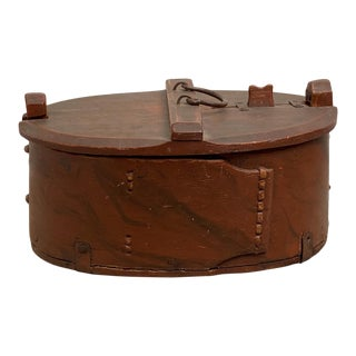 Painted Pine Bentwood Box, Sweden Circa 19th Century For Sale