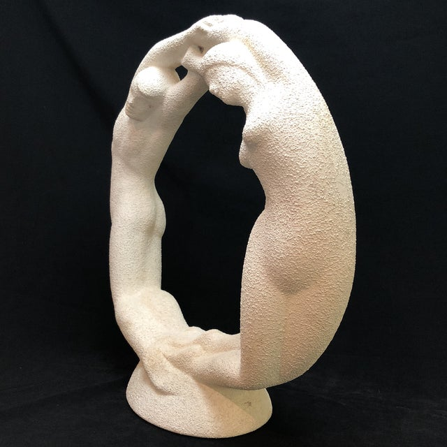 "Mid 20th Century Vintage Textured Haeger Eternity ""Circle of Love"" Statue For Sale - Image 5 of 10"