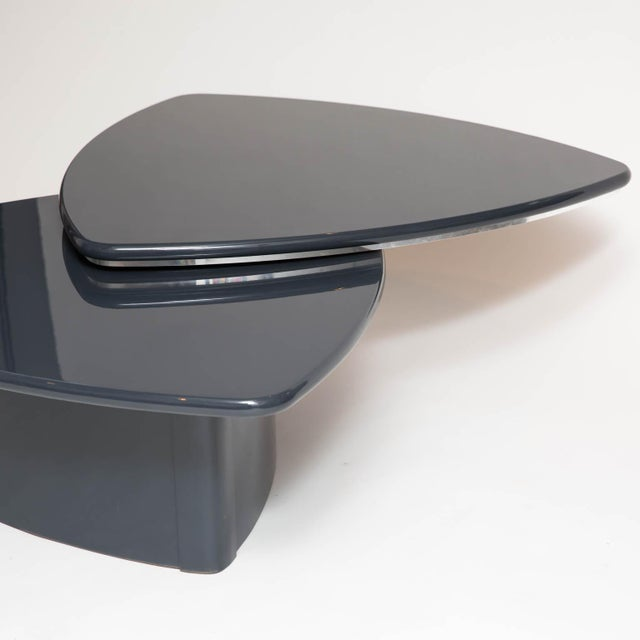 Modern Butterfly Coffee Table In Grey Lacquer For Sale - Image 4 of 9
