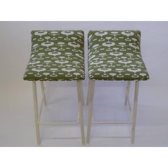 White Pair of 1950s Mid-Century Modern Curved Seat Bar Stools For Sale - Image 8 of 10