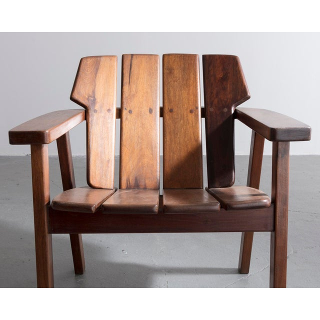 Brown Pair of slatted rosewood lounge chairs by Sergio Rodrigues, Brazil, 1960s. For Sale - Image 8 of 8