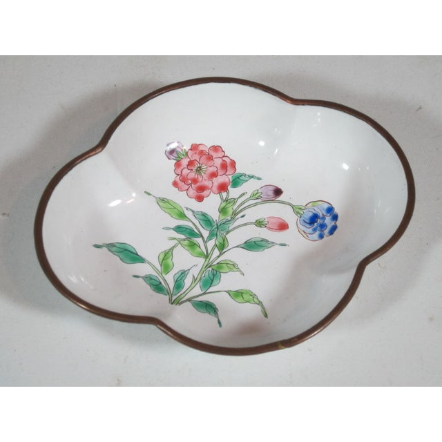 Floral Chinese Enamel Bowls - Set of 4 For Sale - Image 5 of 9