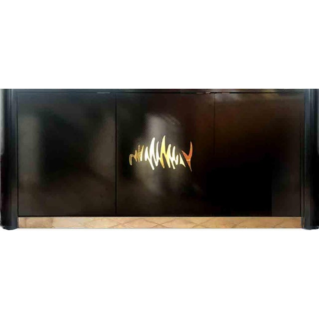 1970s Hollywood Regency Black and Gold Mirror Scribble Credenza For Sale - Image 12 of 12