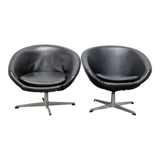 1960s Vintage Overman Pod Chairs -A Pair For Sale