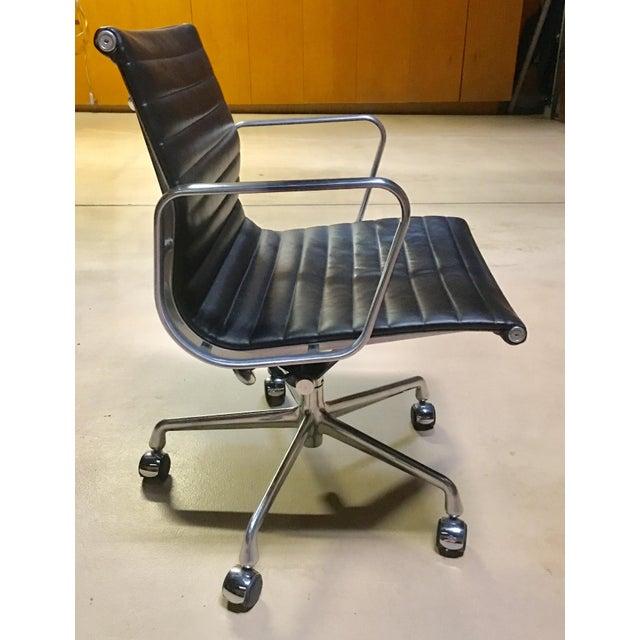 Black Eames Management Aluminum Chair For Sale - Image 8 of 11