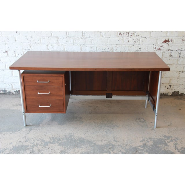 Jens Risom Design Jens Risom Mid-Century Modern Executive Desk in Walnut, Cane, and Steel For Sale - Image 4 of 13