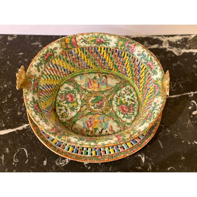 Famille Verte Pierced Bowl and Under Plate For Sale - Image 4 of 13