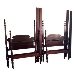 Early 20th Century Federal Mahogany Carved Four Post Twin Beds - a Pair For Sale