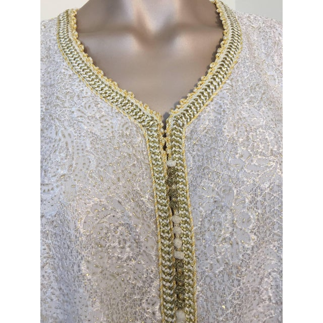 1970s Moroccan Vintage Caftan in White and Gold Lace 1970s Kaftan Maxi Dress Large For Sale - Image 5 of 9