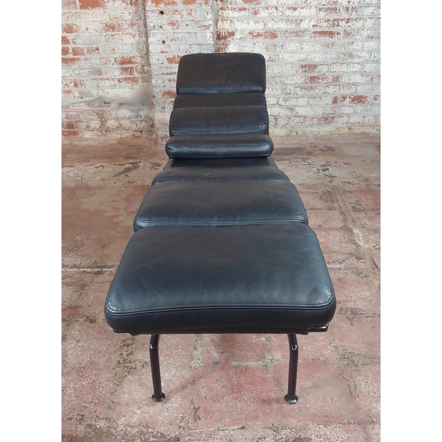 Mid-Century Modern Ray & Charles Eames for Herman Miller Billy Wilder Chaise Longue For Sale - Image 3 of 10