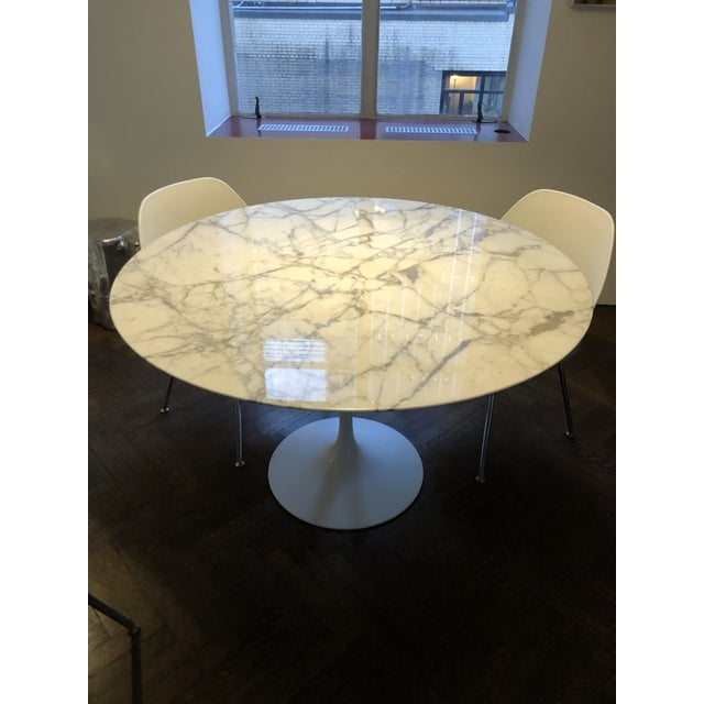 "Knoll Mid-Century Modern Knoll Studio Saarinen 47"" Round Marble Top Dining Table For Sale - Image 4 of 4"