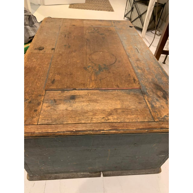 19th Century Patinaed Wooden Trunk For Sale In Portland, ME - Image 6 of 12