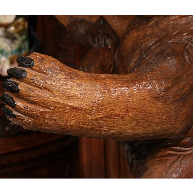 Brown Early 20th Century French Carved Black Forest Three-Gun Holder Bear Sculpture For Sale - Image 8 of 9