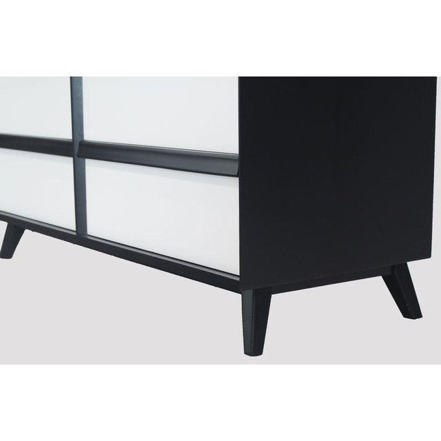 1960s Mid-Century Modern Solid Birch Two-Tone Black White Lacquer Six-Drawer Dresser For Sale - Image 6 of 9