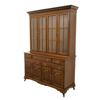 20th Century English Traditional Ethan Allen Illuminated Display China Cabinet For Sale