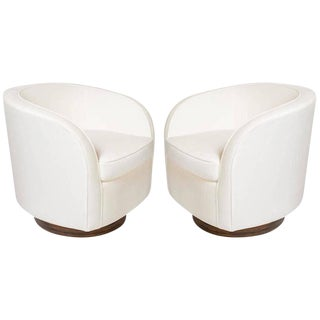 Pair of Milo Baughman Lounge Chairs with Swivel Bases For Sale
