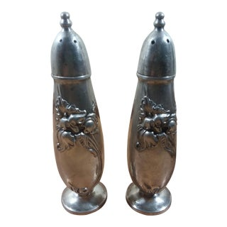 1950s Mid-Century Modern Oneida Silverplate White Orchid Salt and Pepper Shakers - a Pair
