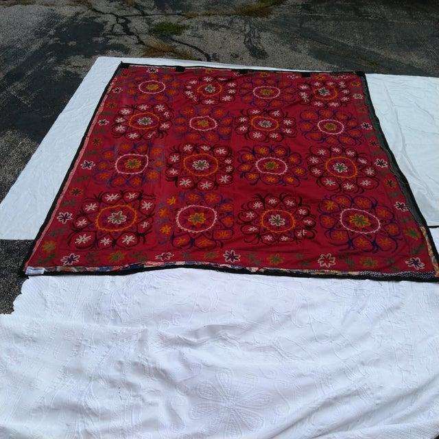 Late 20th Century Vintage Uzbekistan Suzani Textile For Sale - Image 5 of 6