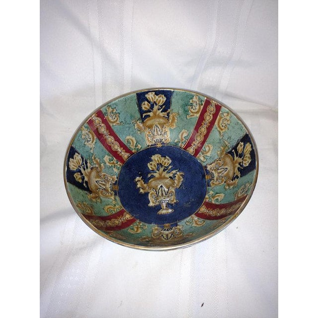 Ceramic Chinese Export Hand Painted Enamel Porcelain Bowl For Sale - Image 7 of 7