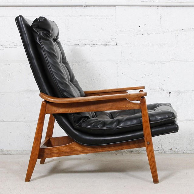 Mid-Century Modern Tufted Lounge Chair With Ottoman - Image 8 of 10