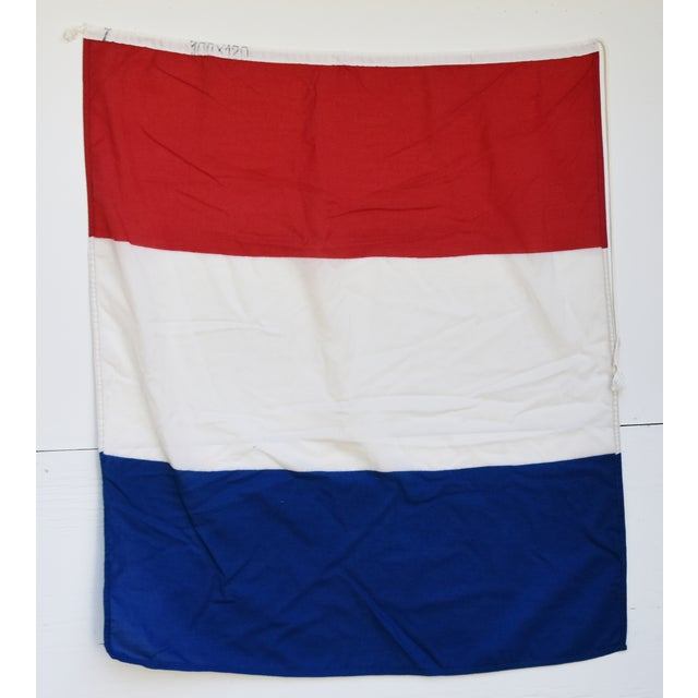 """Mid 20th Century Vintage Maritime Nautical Naval Signal """"T"""" Flag - 43"""" X 34"""" For Sale - Image 5 of 6"""