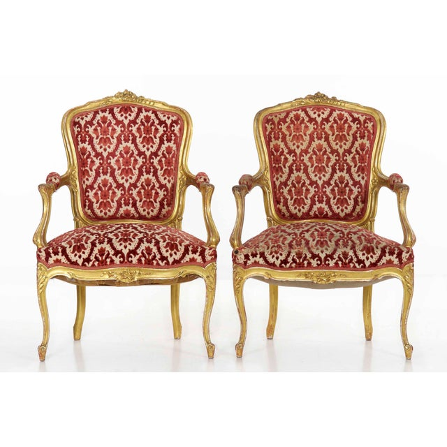 1900s French Louis XV Style Carved Giltwood Antique Arm Chairs - Set of 2 For Sale - Image 5 of 13