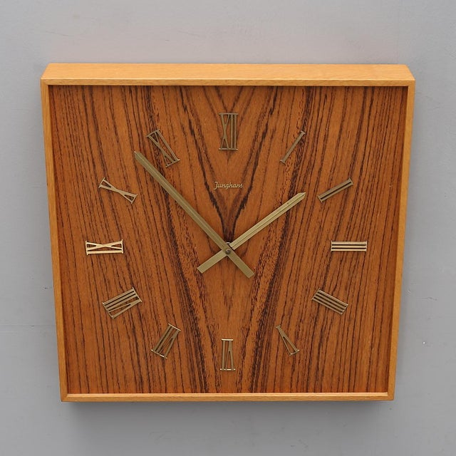 Junghans wall clock, with a battery movement. Germany, 1960s. Very good original condition Delivery time 2-3 weeks....