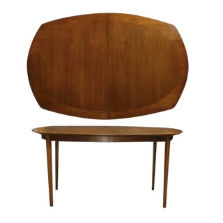 1960s Mid-Century Modern Drexel Walnut Dining Table With Leaves For Sale