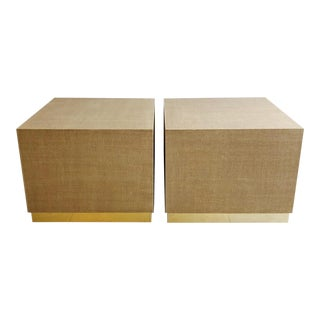 Vintage Pair of Cube Grasscloth Linen Wrapped End Tables Pedestals With Brass Bases For Sale