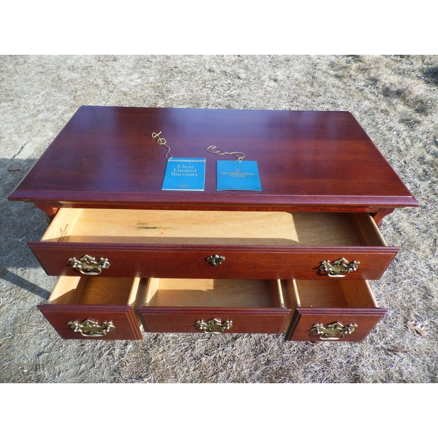 Queen Anne Vintage Pennsylvania House Solid Cherry Traditional Queen Anne Style Lowboy Chest For Sale - Image 3 of 13