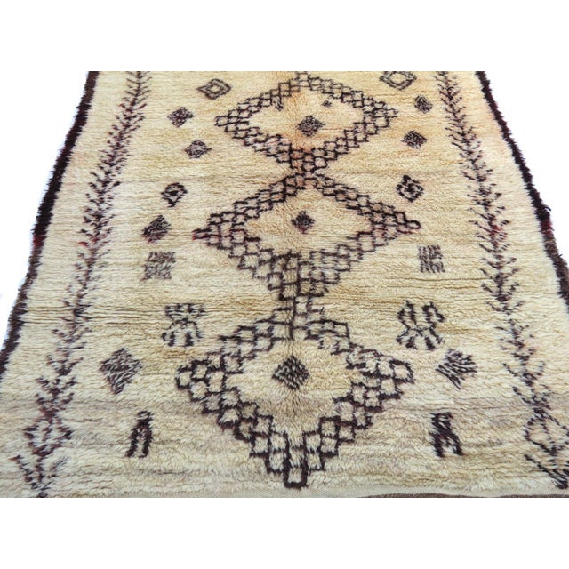 Tribal Vintage Moroccan Marmoucha Rug - 6′ × 10′2″ For Sale - Image 3 of 11