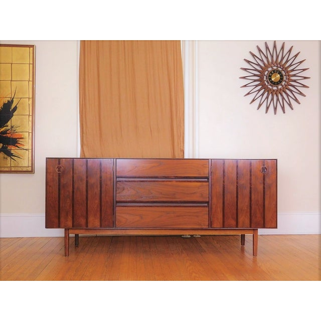 Brown Mid Century Modern Stanley Walnut & Rosewood Buffet / Credenza For Sale - Image 8 of 8