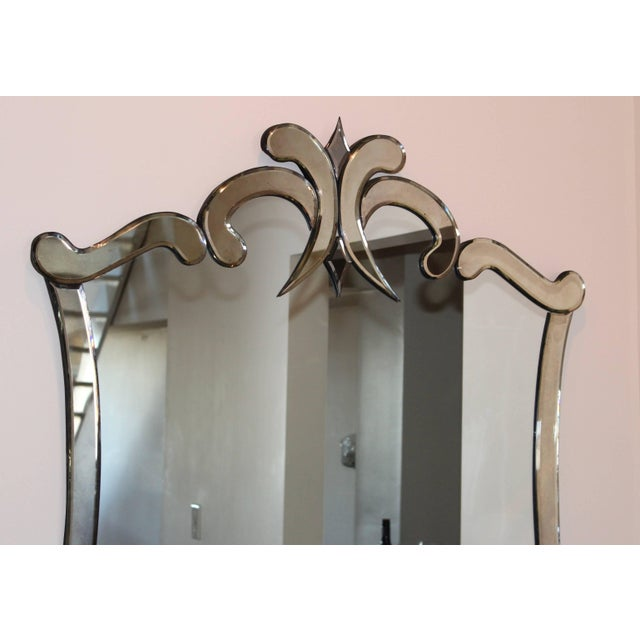Hollywood Regency 1940s Venetian Style Mirror For Sale - Image 3 of 8