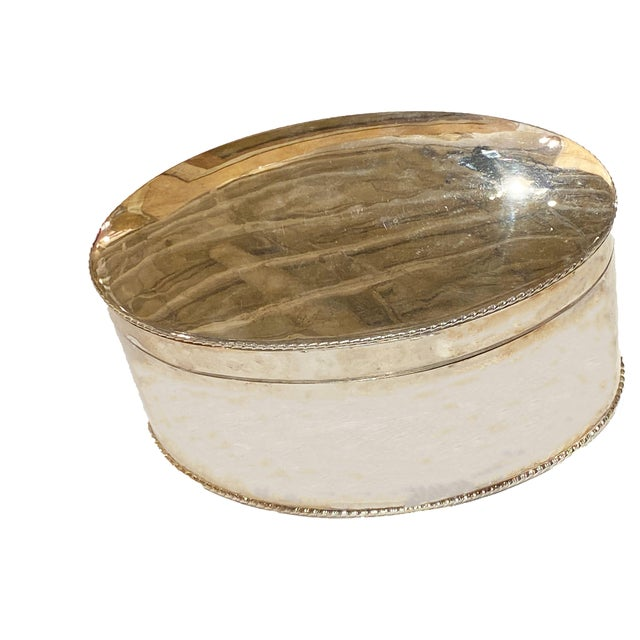 Mid 20th Century Vintage English Oval Silver Plate Box For Sale - Image 5 of 5