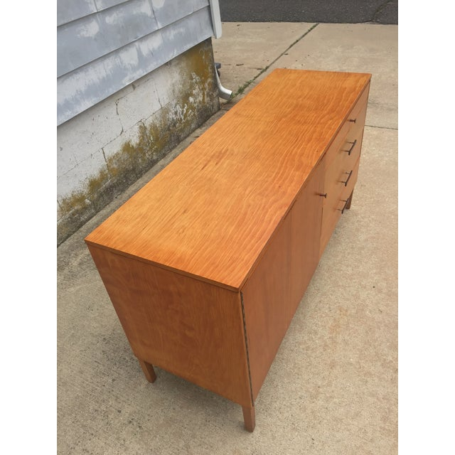 Beech Mid-Century Modern Paul McCobb Winchendon Perimeter Group Bow Tie Pull Cabinet For Sale - Image 7 of 8