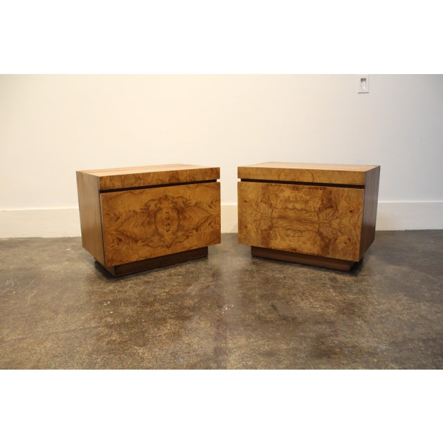 Lane Furniture Milo Baughman Style Mid Century Modern Burl Wood Nightstands a Pair For Sale - Image 9 of 9