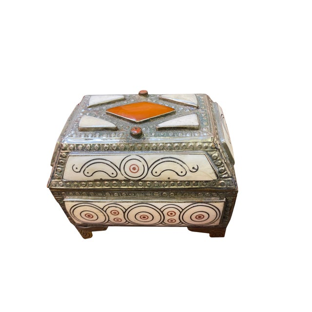 1960s Moroccan Inlaid Box For Sale - Image 4 of 6