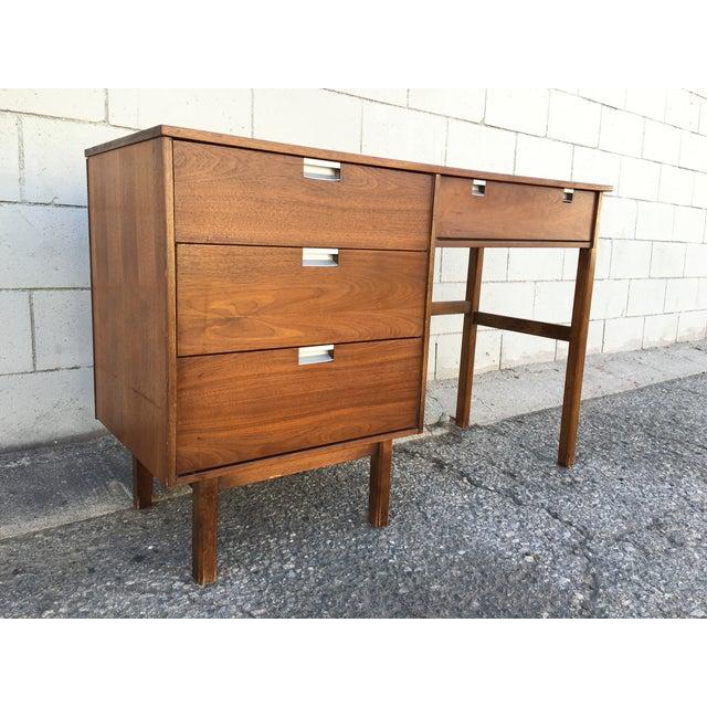 1960s Mid Century Modern Desk - Image 4 of 11