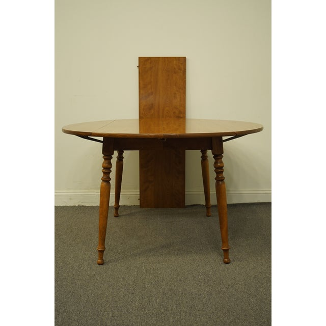 "Vintage Ethan Allen Heirloom Nutmeg Maple 29"" Round Drop Leaf Dining Table For Sale In Kansas City - Image 6 of 12"