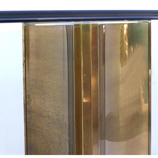 "Mastercraft Double Pedestal Brass ""Trilobi"" Dining Table With Ogee Beveled Glass For Sale - Image 12 of 13"