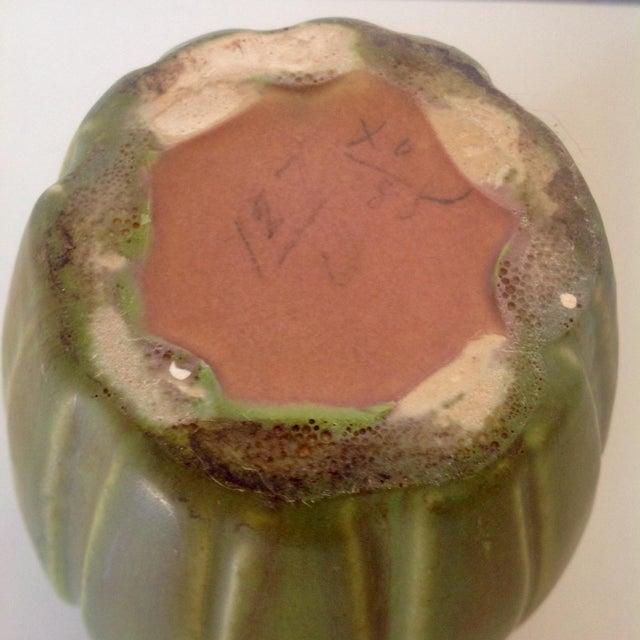 Early Roseville Velmoss Artichoke Vase in Multiple Shades of Green For Sale In Dallas - Image 6 of 6