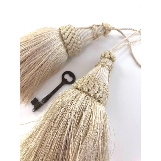 French Country Pair of Key Tassels in Cream With Looped Ruche Trim For Sale - Image 3 of 10